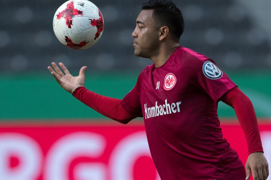 Ballkünstler aus Mexiko: Marco Fabian wird auch in der kommenden Saison für die Eintracht auflaufen.