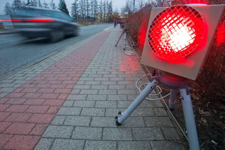 """Verkehrssünder kommen einer """"Check24""""-Statistik zufolge vor allem aus dem Osten Deutschlands. Spitzenreiter: Rostock, Leipzig und Erfurt. (Symbolbild)"""