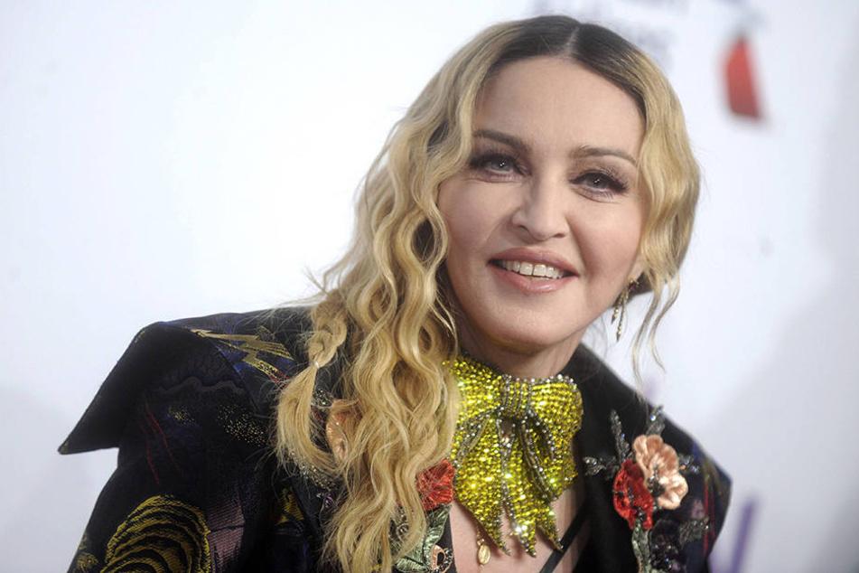 Da hat die Pop-Diva Madonna ja mal wieder ein Zeichen gesetzt.