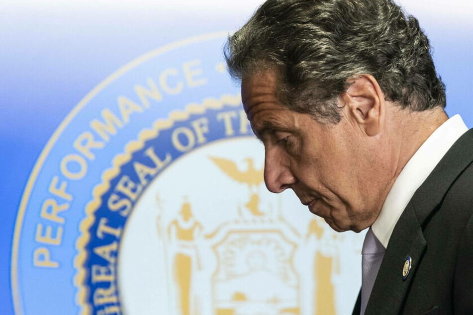 New York Governor Cuomo apologizes but refuses to resign amid sexual harassment probe