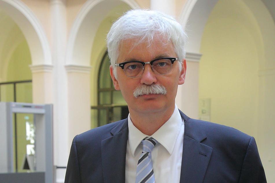 Staatsanwalt Lorenz Haase verkündete die Einstellung des Verfahrens.