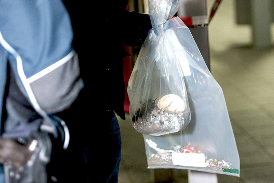 Die Polizei vermutete, dass ein sogenannter Polenböller gezündet wurde.
