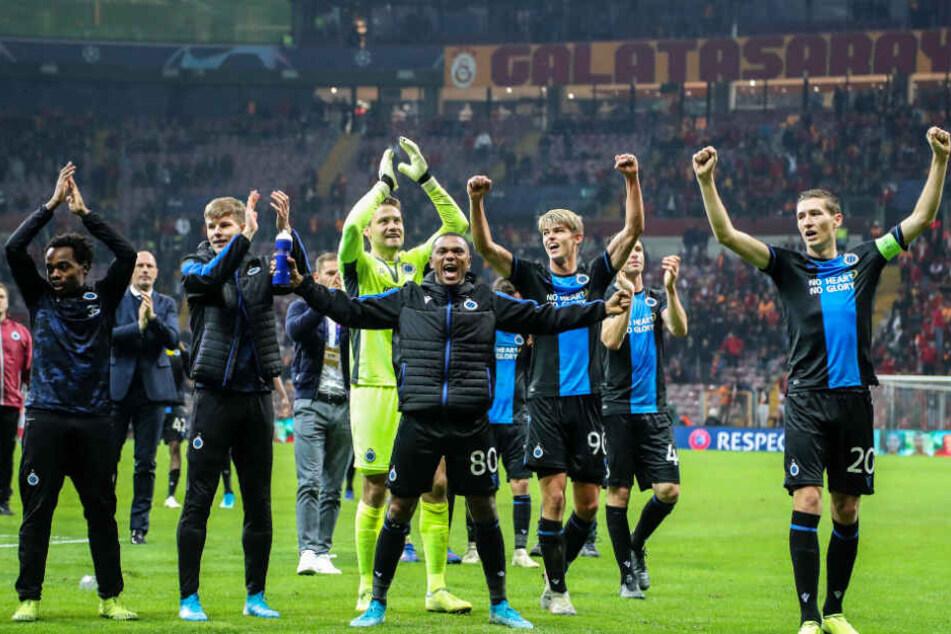 Der FC Brügge glich bei Galatasaray Istanbul in der Nachspielzeit aus und liegt damit in der Tabelle weiter vor dem türkischen Traditionsverein.