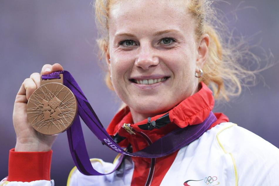 Die Olympia-Dritte Heidler bekommt in Frankfurt nun die Silbermedaille.