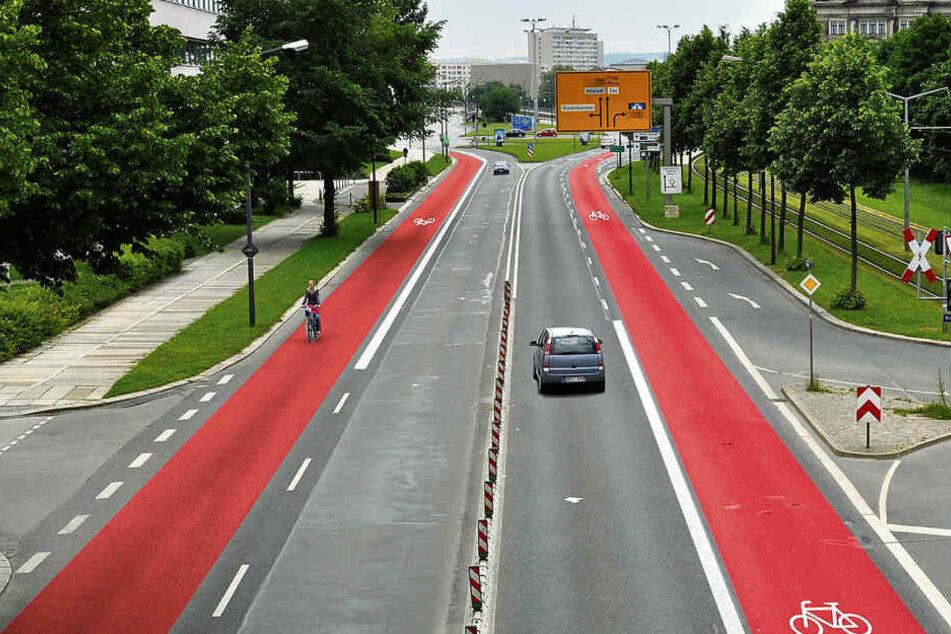 Kampf für eigene Fahrspur: Heute wollen Radler die Albertstraße blockieren