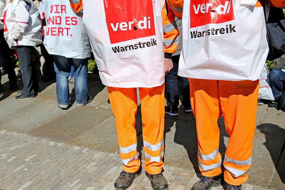 Die Gewerkschaft Verdi rief die Beschäftigten der Stadtreinigung Leipzig am Samstag zum Warnstreik auf.