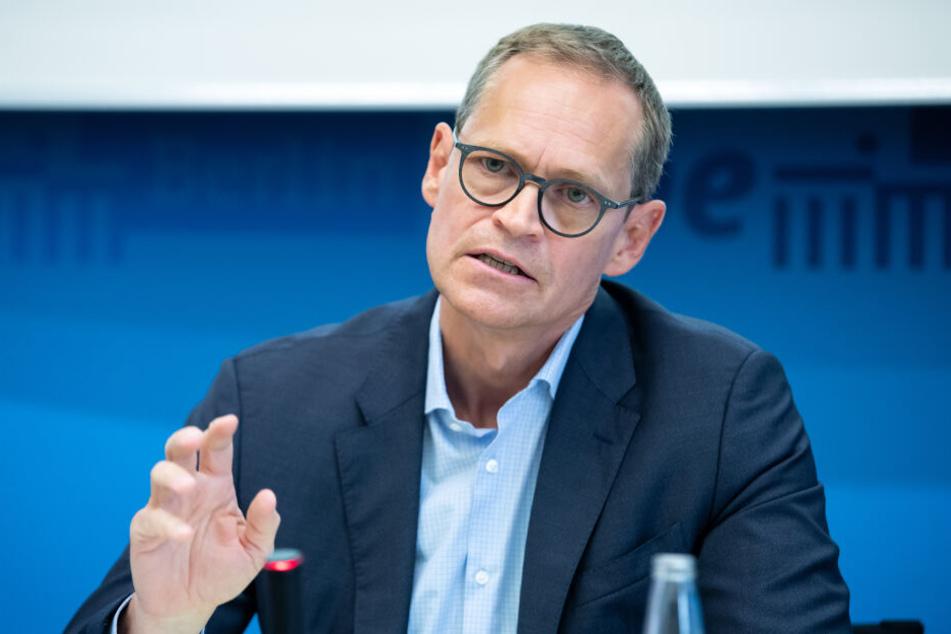Der Senat rund um Bürgermeister Michael Müller plant einen Entwurf, der die Mieten-Situation in Berlin erleichtern soll.