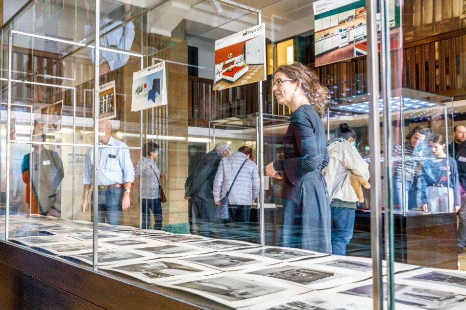 Zum Tag der offenen Tür konnten Besucher auch restaurierte Dokumente bestaunen.