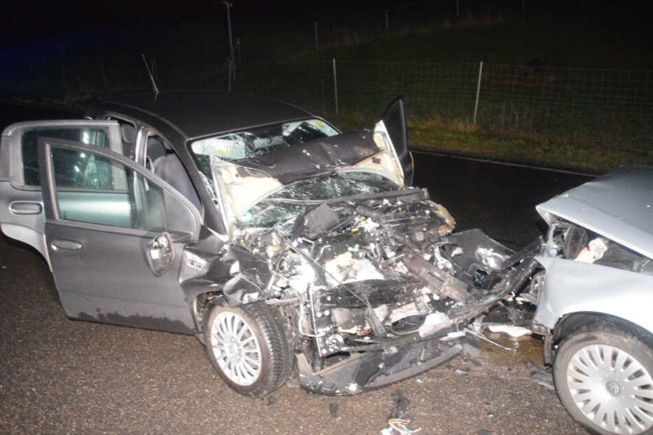Unfall nahe Sinsheim: VW kracht frontal in Fiat