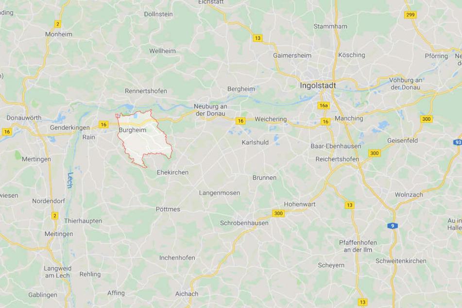 In Bayern ist es auf der Bundesstraße 16 bei Burgheim zu einem tödlichen Unfall gekommen.