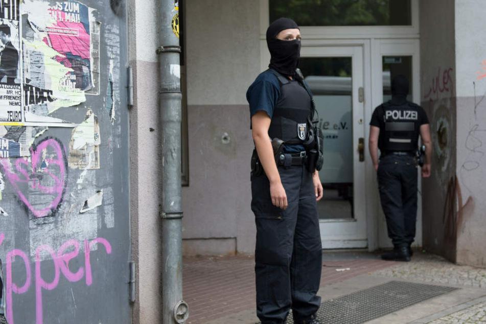 Über mehrere Stunden ist in Haldensleben bei Magdeburg (Sachsen-Anhalt) ein 20-Jähriger gefesselt und drangsaliert worden. (Symbolbild)