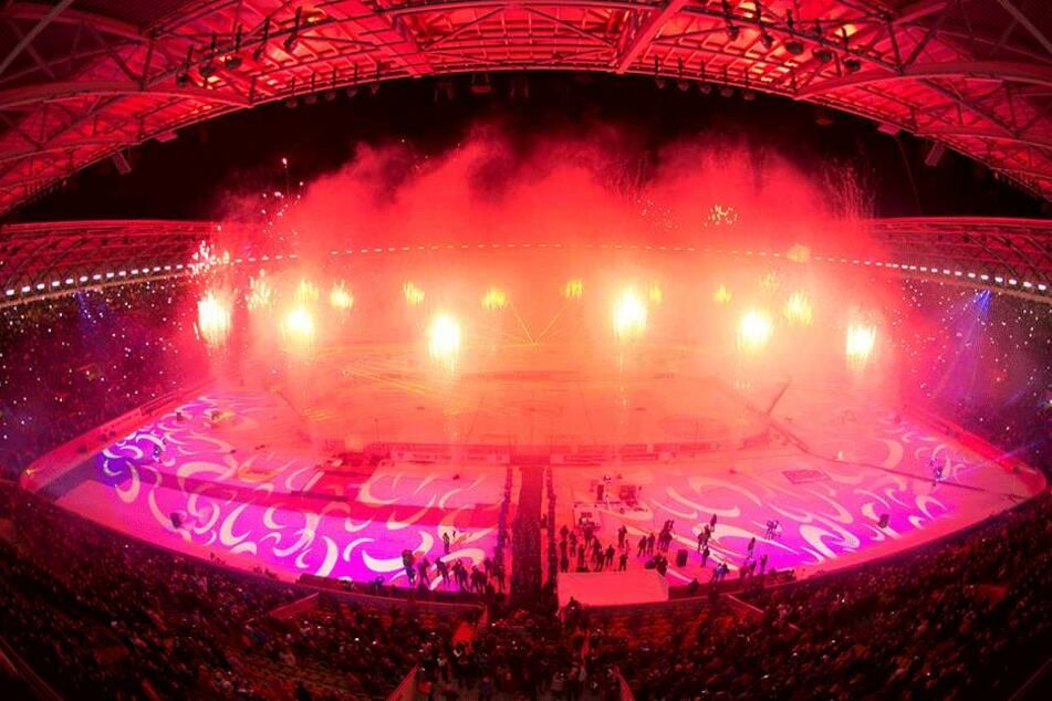 Mit einer Pyroshow endete am 9. Januar 2016 die Premiere des Event Game im Harbig-Stadion.