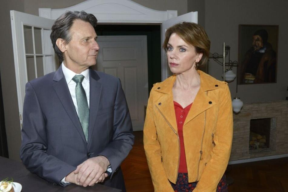 Jo und Yvonne kommen sich wieder näher.