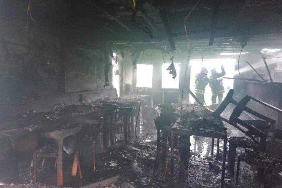 Das Feuer hatte alles zerstört.