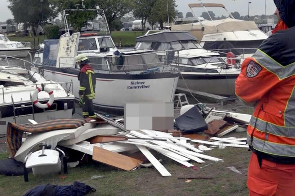 Sportboot explodiert im Hafen: Mann tot aus dem Wasser geborgen