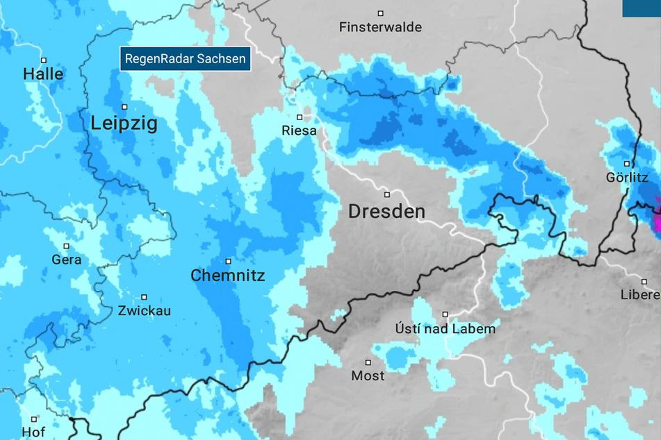Heutiger Mittwoch: Der Regen bricht über Sachsen hinein.