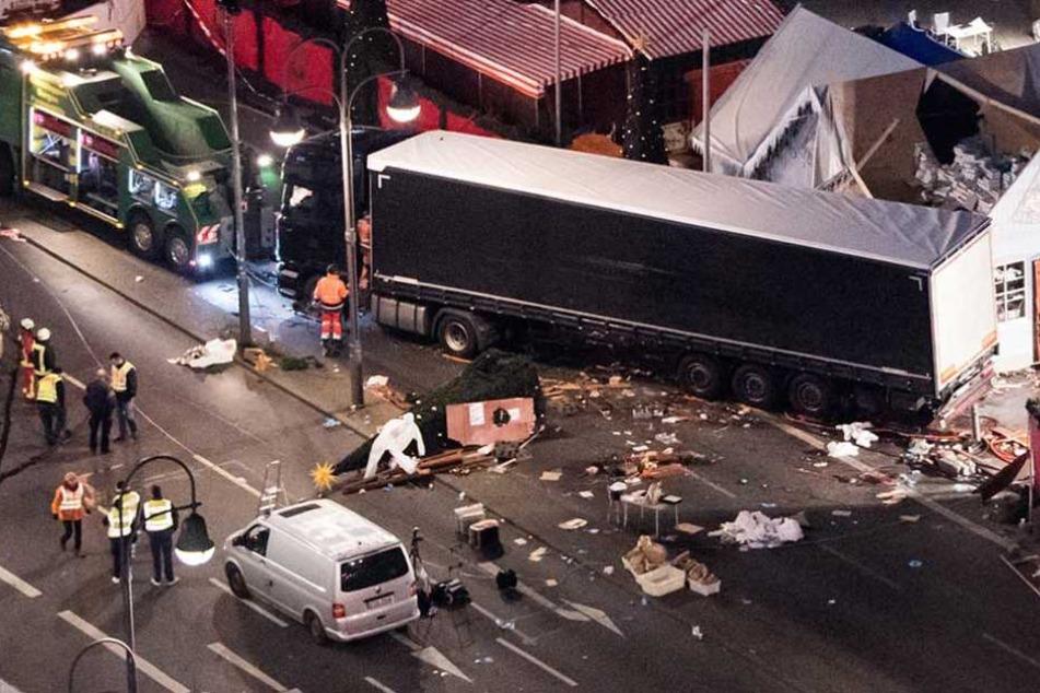 Mit einem Sattelzug war der Terrorist Anis Amri in den Weihnachtsmarkt gerast.