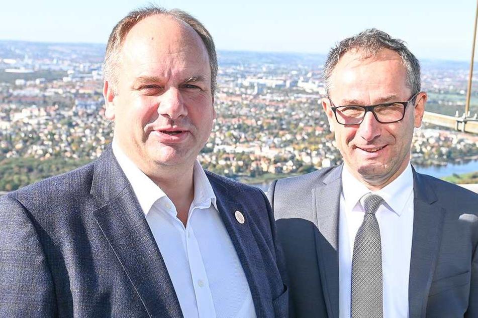 OB Dirk Hilbert (47,li., FDP) verspricht eine weitere Infoveranstaltung zum Turm.