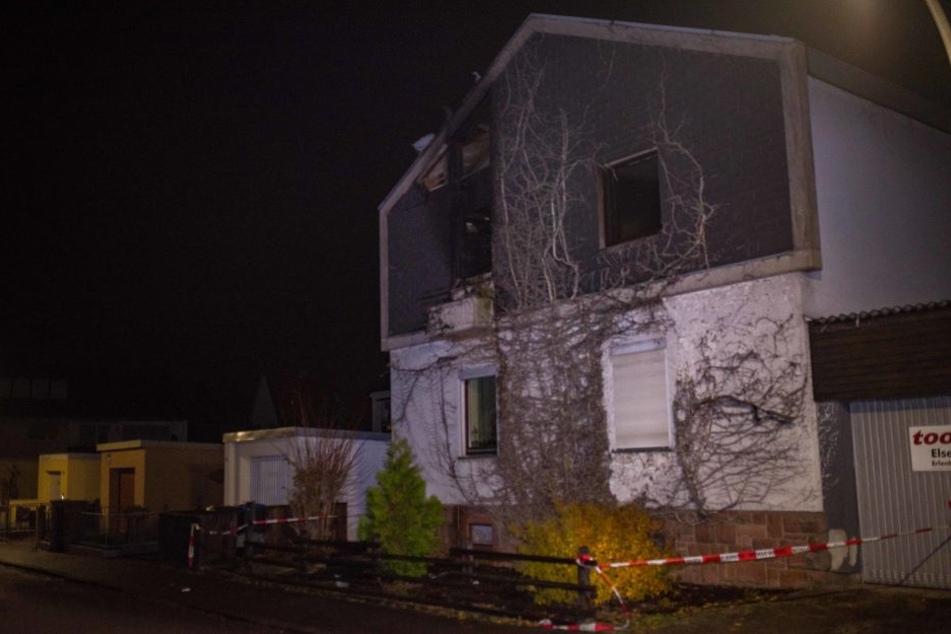 Die beiden Bewohner konnten nur noch tot geborgen werden.
