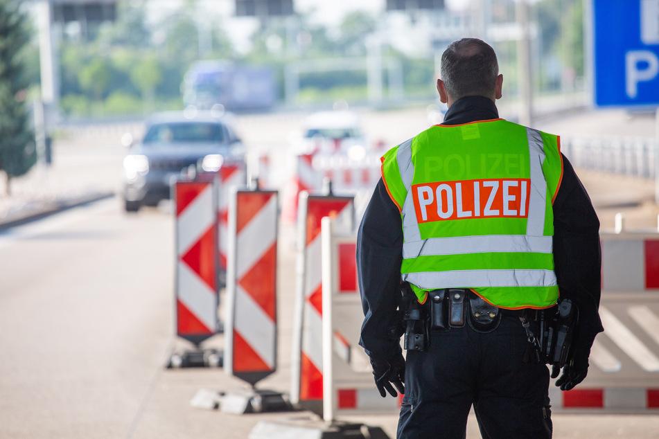 Die Polizei leitete den Verkehr an der Anschlussstelle Alsfeld Ost ab. (Symbolfoto)