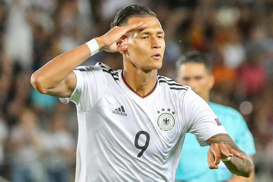 Davie Selke bejubelt seinen Treffer bei der U21-EM gegen Dänemark.