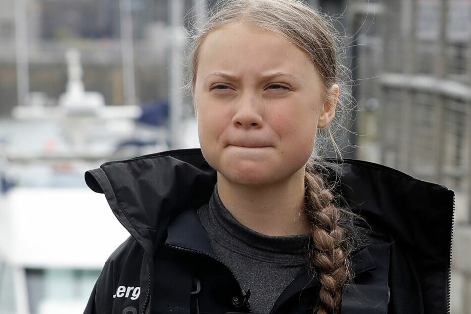 Ohne Bett und Klo: Klima-Greta hat erste Nacht auf Atlantik überstanden