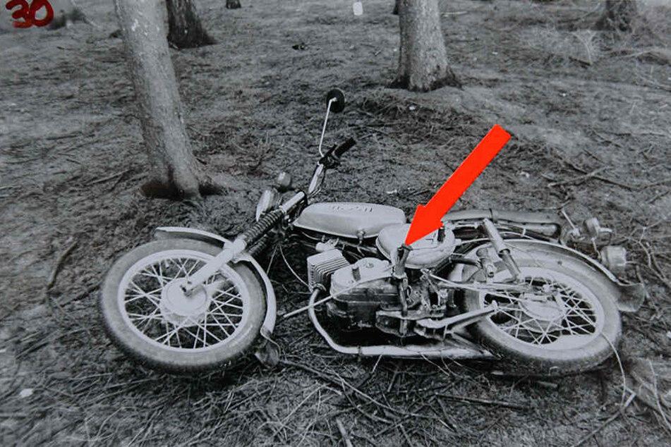 Ihr Moped wurde unweit der Leiche in einem Waldstück gefunden. Der Regen hat alle verwertbaren Spuren abgewaschen.