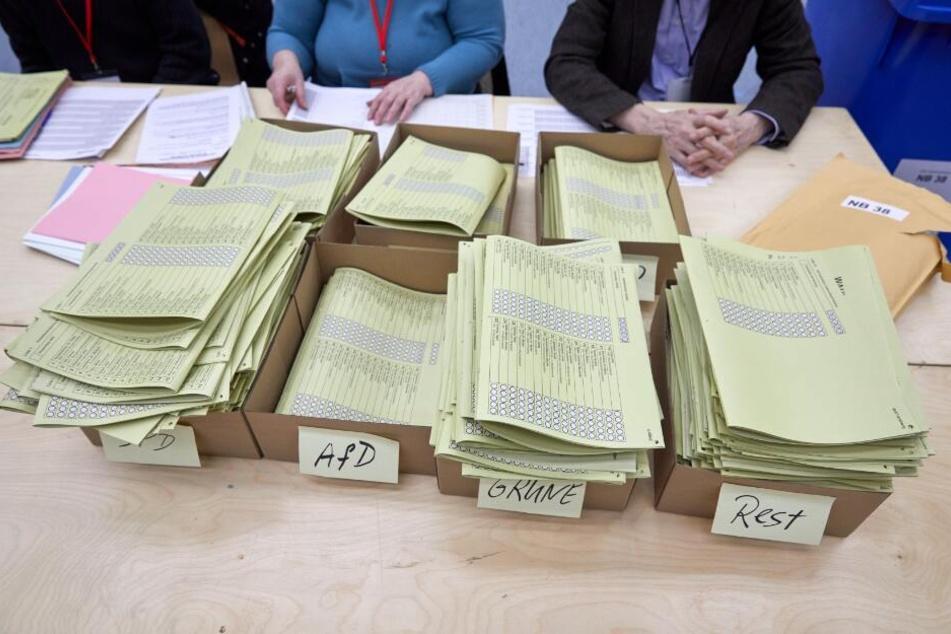 Pannenserie bei Hamburg-Wahl: Stimmzettel landeten im Altpapier