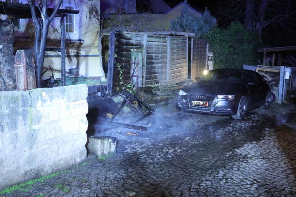 Ein Audi wurde bei dem Feuer beschädigt.