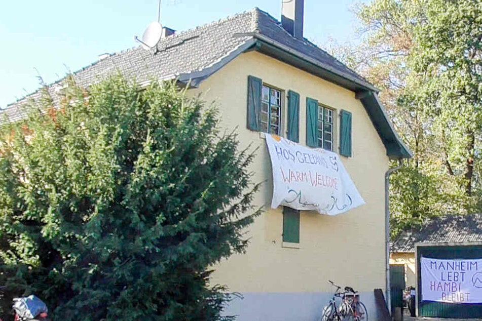 Insgesamt wurden drei leerstehende Häuser besetzt.