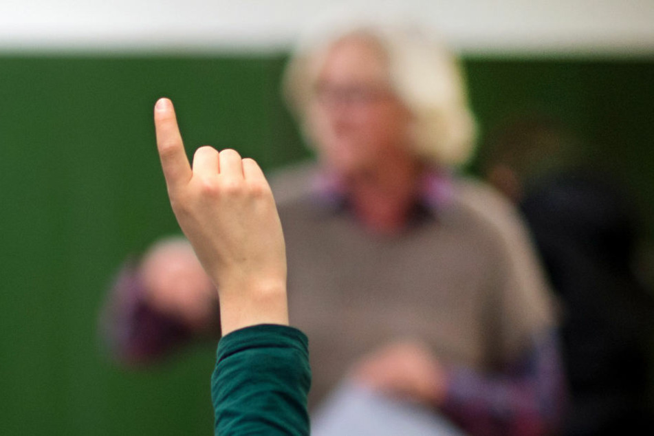 Lehrer-Pranger: Gerichtliche Schritte gegen Meldeplattform der AfD?