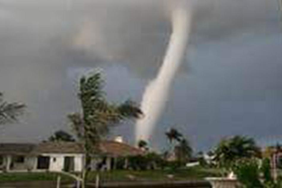 Innerhalb einer Stunde! Sechs Tornados rasen über Florida hinweg