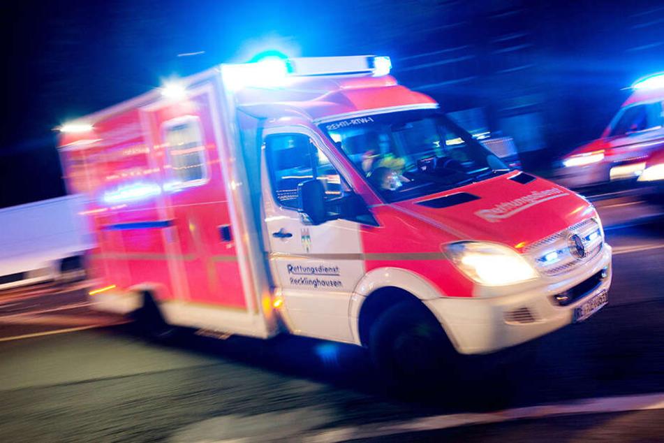 Zwei Männer sind am Wochenende bei einer Party verletzt worden. (Symbolbild)