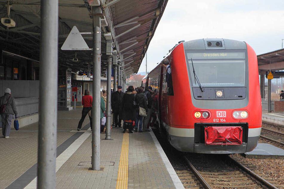 Die Bahn zwischen Dresden und Görlitz soll endlich wieder elektrisch werden.