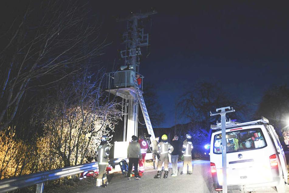Weil ein Berliner Schüler auf diesen Strommast kletterte, musste er sterben.