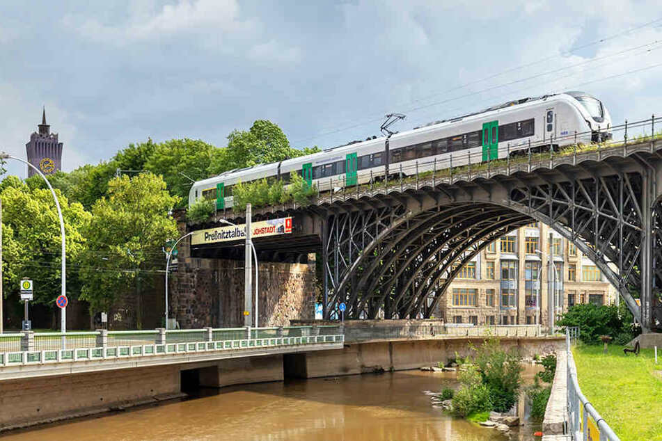 Das Viadukt an der Annaberger Straße darf bleiben: ein Grund zum Feiern für die Chemnitzer.