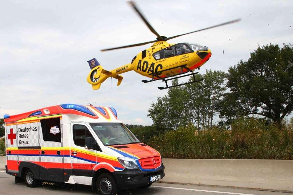 Ein Rettungshubschrauber brachte die Frau zunächst ins Krankenhaus. (Symbolbild)