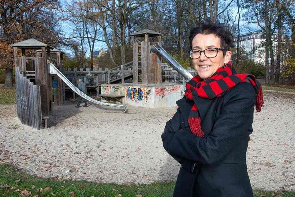 Eine Schwanenstadt zum Klettern und Toben entsteht anstelle des alten Spielplatzes, so Diplom-Ingenieurin Sylvia Staude (59).