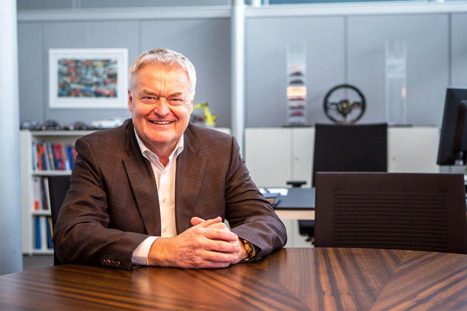 Von Barkas zu Porsche: Siegfried Bülow (65) schrieb als Manager im sächsischen Automobilbau Geschichte. Jetzt ist er in Rente gegangen.