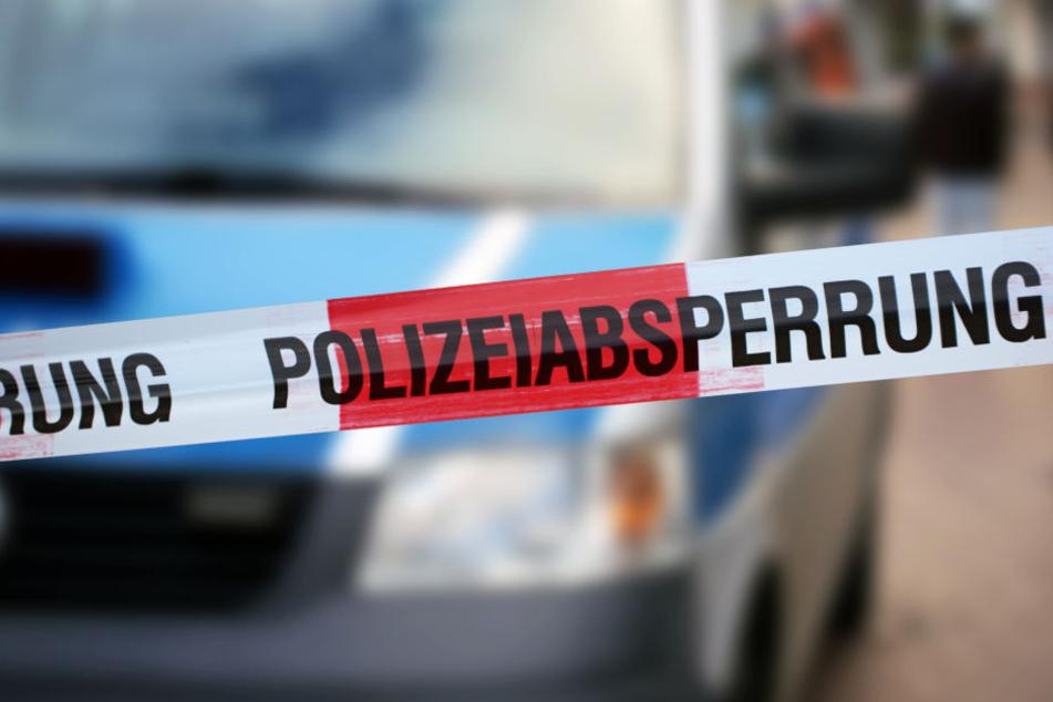 Die Polizei hat den Bereich rund um den Bombenfund abgesperrt (Symbolbild).