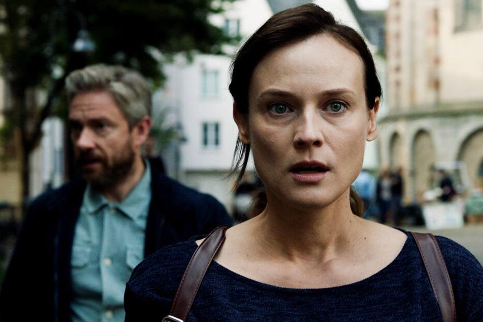 Was führt Mossad-Agentin Rachel (vorne, Diane Kruger) im Schilde? Sagt sie ihrem Kontaktmann und Kumpel Thomas Hirsch (Martin Freeman) die Wahrheit?