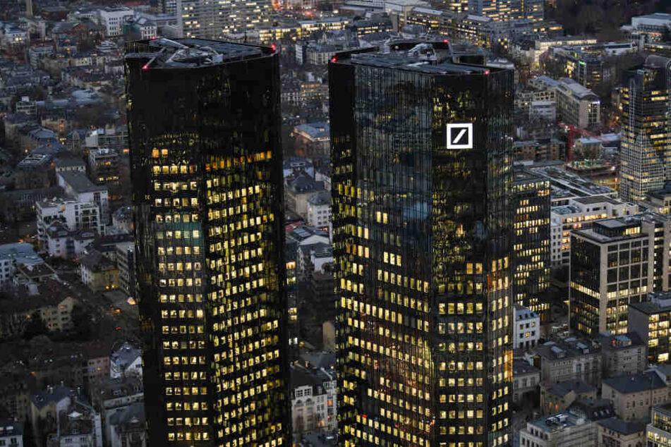 Die Deutsche Bank muss einen schwerwiegenden Verlust verkraften. (Symbolbild)