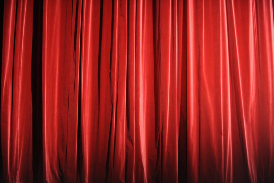 Hinter dem Vorhang wird sich das Nairobi Hope Theatre befinden. (Symbolbild)
