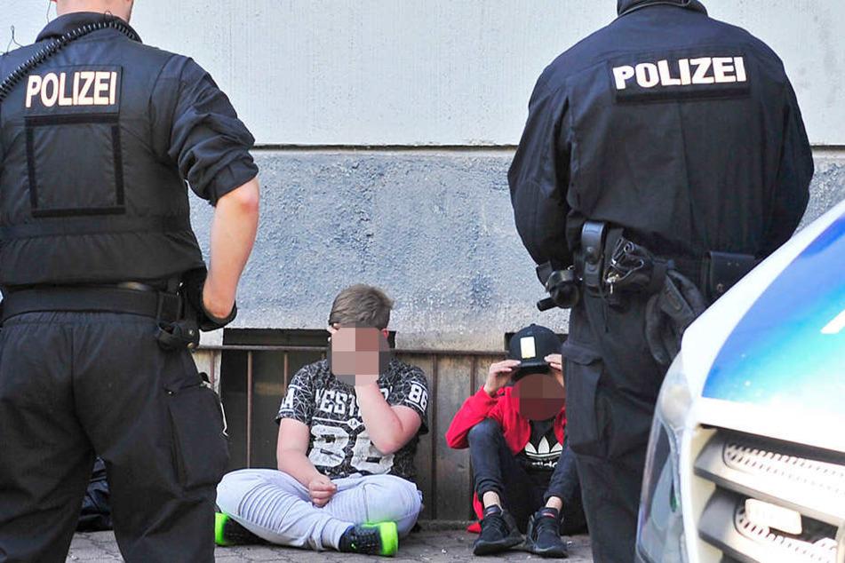 Beamten kontrollierten in der Jägerstraße mehrere Jugendliche.