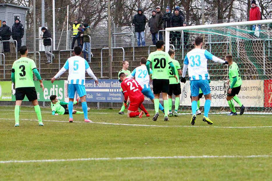 Der Ausgleich: Niklas Hoheneder trifft zum 1:1.