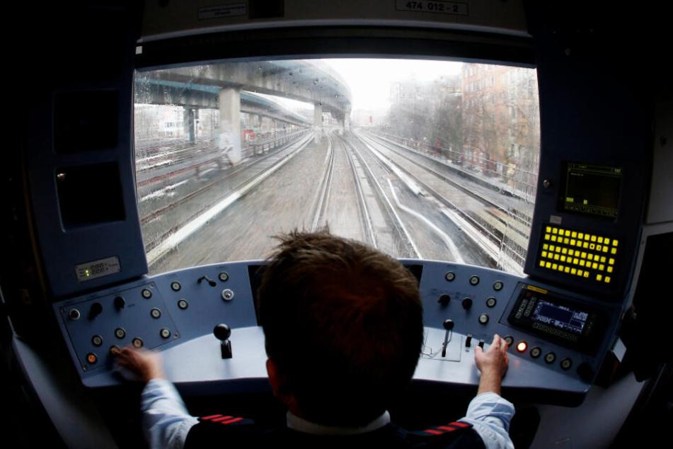 Diesen Blick auf die Hamburger S-Bahn-Gleise haben nur die Fahrer der Züge. (Archivbild)