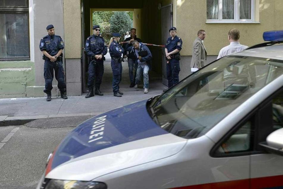 Die Polizei konnte den Vergewaltiger noch am Tatort festnehmen (Symbolbild)