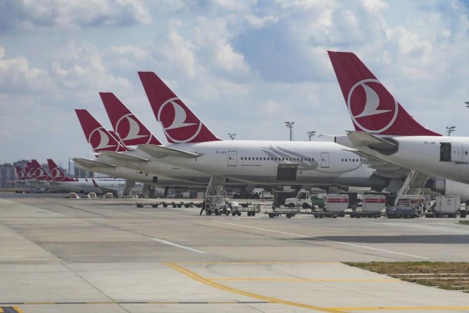 Unter anderem am Istanbuler Atatürk-Flughafen wurde den Deutschen die Einreise verweigert. (Symbolbild)