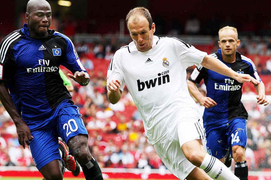 Arjen Robben (M.) im Einsatz für Real Madrid bei einem Vorbereitungsturnier 2008 gegen den Hamburger SV.