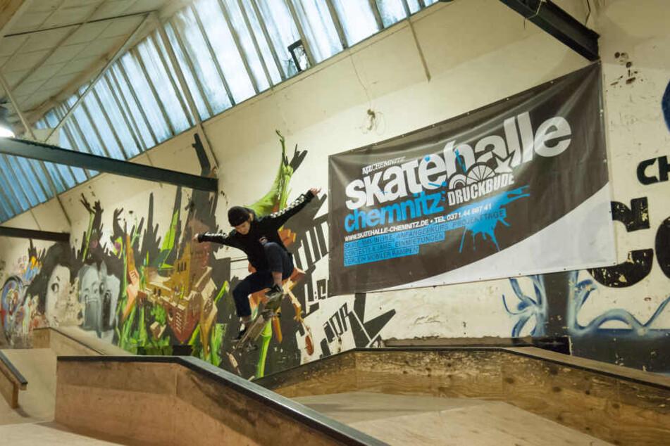 10.000 Besucher pro Jahr kommen seit acht Jahren in die Halle an der  Schönherrstraße, darunter BMX-Fahrer und Skateboarder.